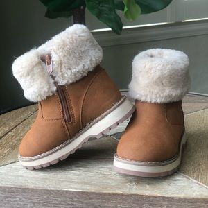 Light Brown Boots with White Faux Fur Cuff